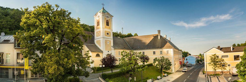 Zu sehen ist: Kirche-Maria-Himmelfahrt-Forchtenstein