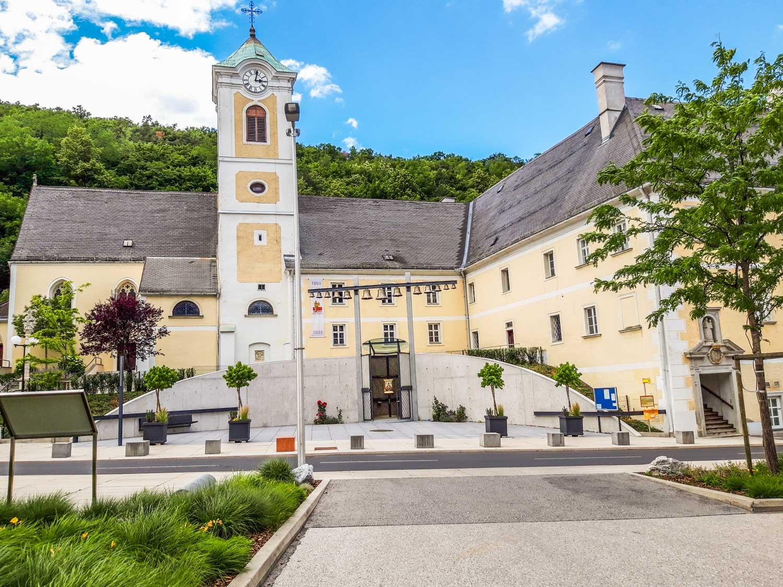 Bild: Maria-Himmelfahrt-Kirche-Forchtenstein-20200619_150204